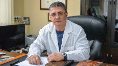 Photo of «Наступил год массовой вакцинации от коронавируса». Стоит ли делать вакцину: ответ доктора Мясникова