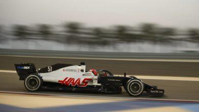 Photo of «Хаас» представил болид нового сезона «Формулы-1» с изображением российского триколора