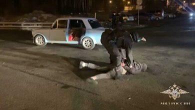 Photo of Любителей лезгинки, ехавших по МКАД с открытыми дверьми, оштрафовали